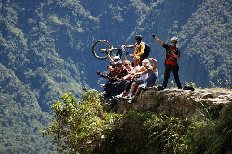 death-road-bolivia-tour