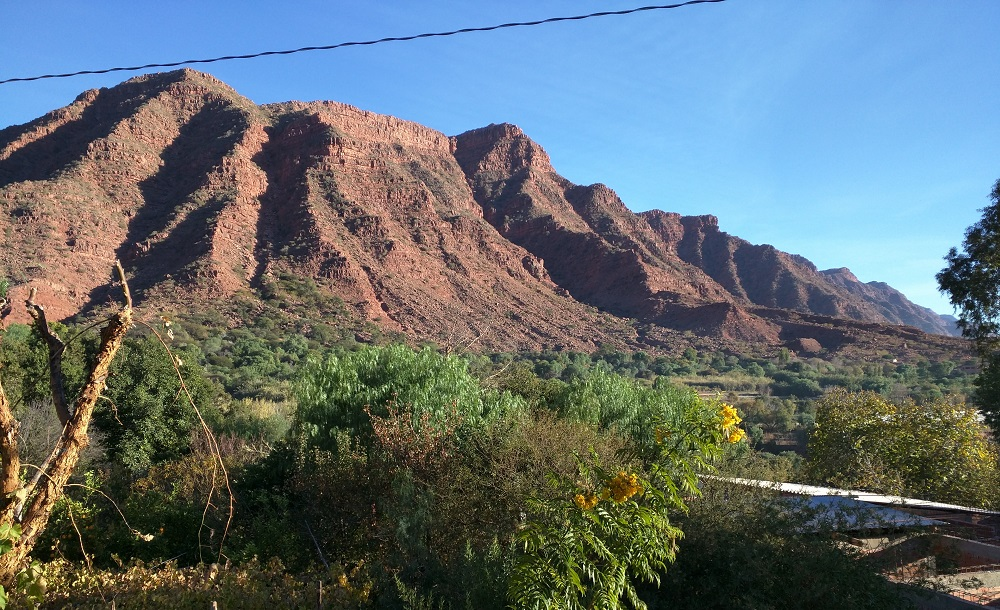 Cinti Canyon: Red Rock and Wine Country